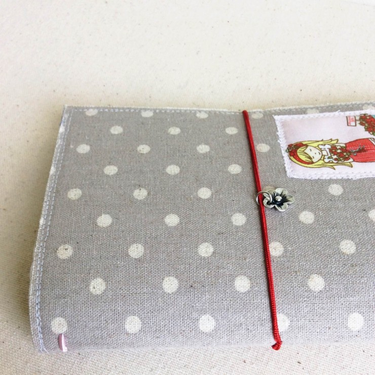 How To Make A Fabric Midori Notebook Cover by Clover & Violet