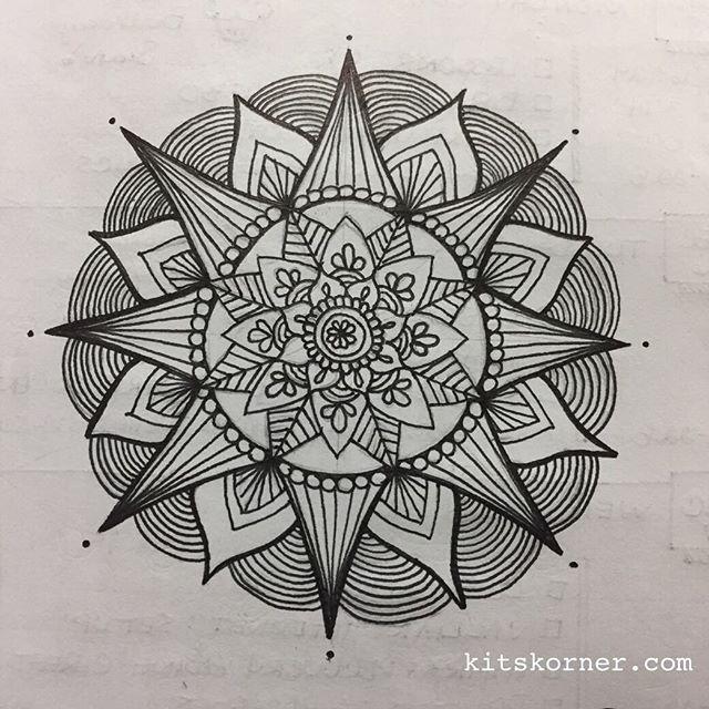 Nov 28 – Dec 4 – Mandala Journal Closeup…