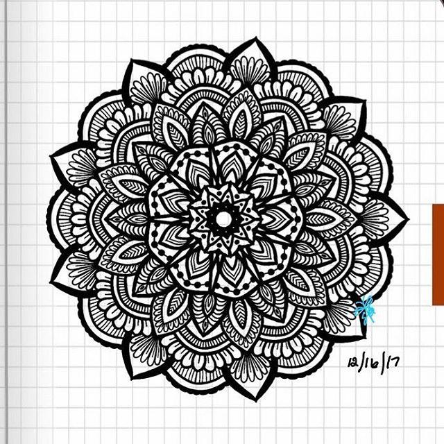 TBT : Closeup of Bullet Journal Mandala from 12/16/17