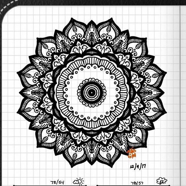 TBT : Closeup of Bullet Journal Mandala from 12/9/17