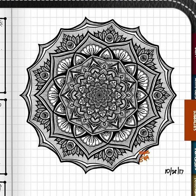 TBT : Closeup of Bullet Journal Mandala from 10/28/17